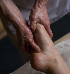 BENEFITS OF AYURVEDIC FOOT MASSAGE